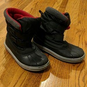 Snow boots, boys size 6
